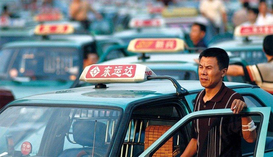Taxista expulsa a cliente por estar posiblemente contagiado de Coronavirus
