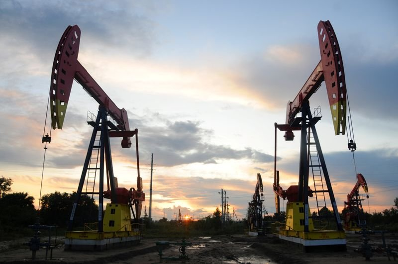 Economía: Cae precio del petróleo por coronavirus