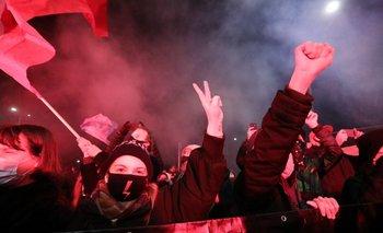 Manifestantes protestan en Polonia contra ley que prohíbe interrupción de ciertos embarazos