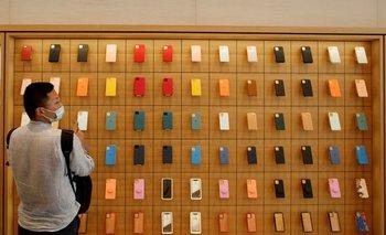 Apple supera expectativas de Wall Street con ingresos récord por iPhone y alza de ventas en China