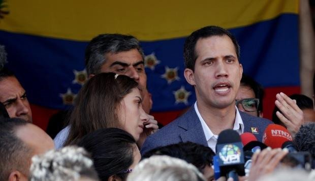 Maduro califica ayuda humanitaria como