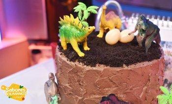 Torta con Temática de Dinosaurio