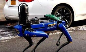 Las calles de Nueva York son patrulladas por Spot, el perro policía robot