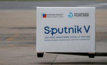 Científicos rusos dicen que vacuna Sputnik V funciona bien contra variantes de COVID