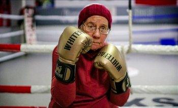 Abuelita practica boxeo para