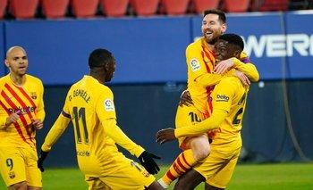 Barcelona gana al Osasuna con la ayuda de dos asistencias de Messi; Sevilla pierde de nuevo