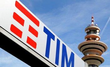 Telecom Italia planea suprimir hasta 1.300 puestos de trabajo en Italia este año: fuentes