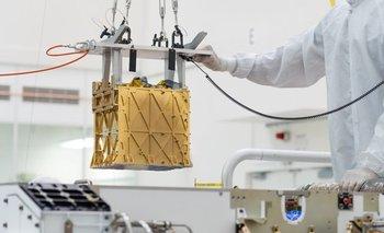 NASA obtiene oxígeno respirable desde el delgado aire marciano