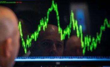 MERCADOS GLOBALES-Bolsas suben y dólar retrocede ante panorama tasas EEUU