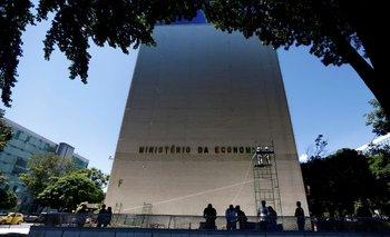 Gobierno de Brasil eleva pronósticos inflación y PIB 2021