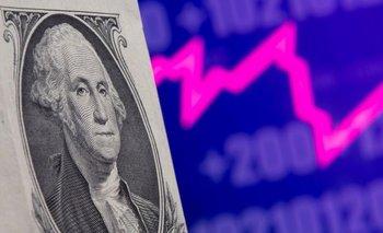Monedas operan con ganancias en medio de retroceso global del dólar