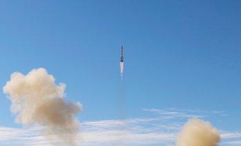 Astronautas chinos abordan módulo de la estación espacial en una misión histórica