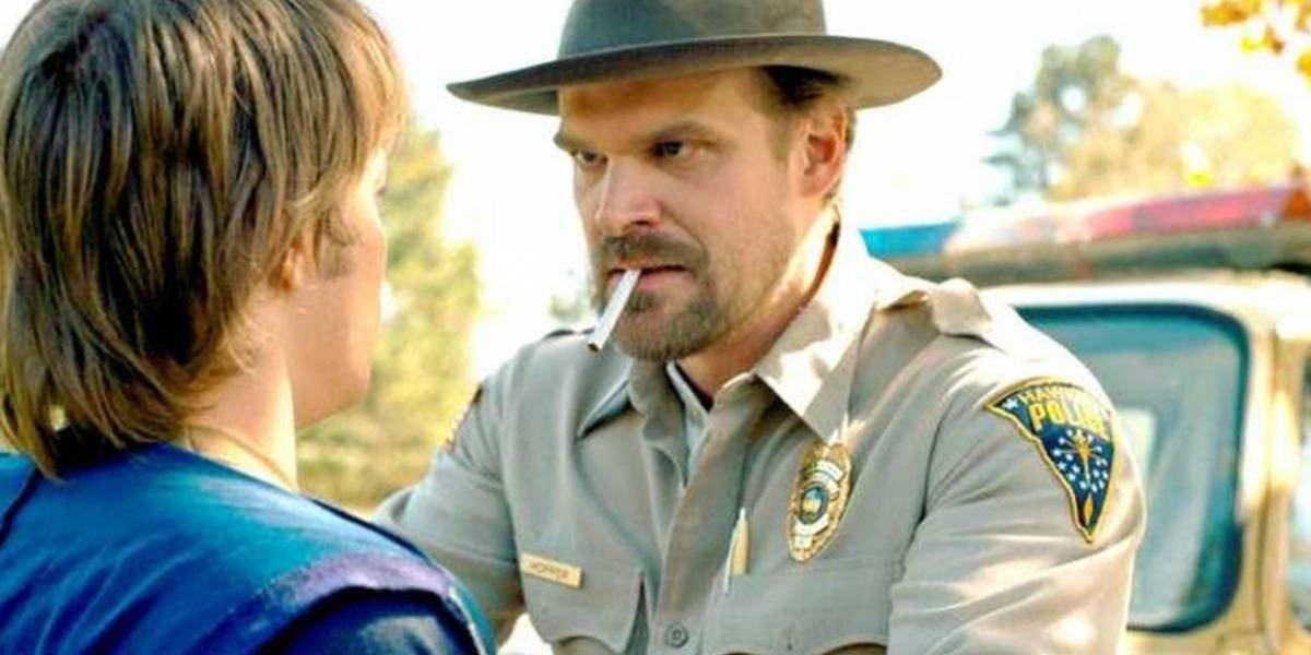 Netflix realiza importante anuncio: Ya no habrán más escenas de personajes fumando