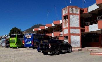 Gobierno autoriza viajes desde la terminal de Sucre y Gobernación rechaza la reanudación