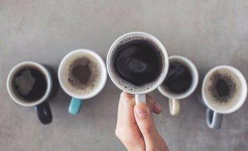 ¿Cómo preparar tu café? Hacerlo así es más saludable y podría alargar tu vida