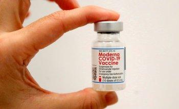 Regulador de la UE respalda uso de la vacuna COVID-19 de Moderna en adolescentes