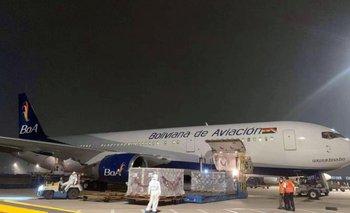 Alistan dos vuelos y 30 tripulantes para traer más vacunas a Bolivia