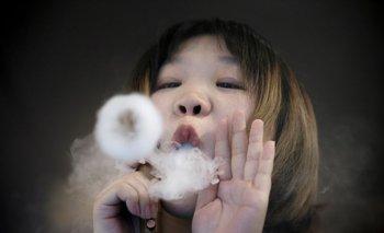 Cigarrillos electrónicos aumentan consumo de tabaco en los jóvenes: OMS
