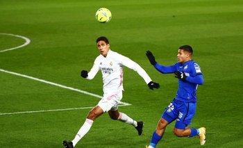 Manchester United llega a un acuerdo para fichar al francés Varane desde el Real Madrid