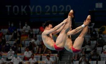 China gana su tercer oro en salto con triunfo en sincronizado de 3 metros