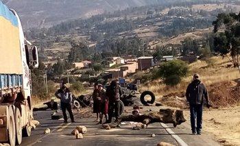 Bloqueos al occidente, oriente y valle alto cercan Cochabamba