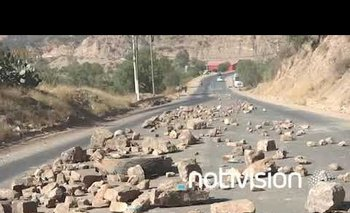La Paz: Terminal de buses suspende salidas por bloqueo en carreteras