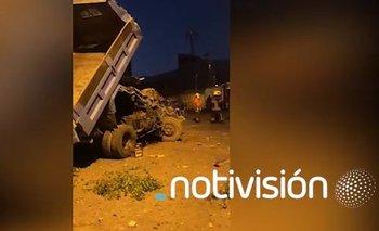 Camión pierde el control, impactó contra dos casas y dejó tres muertos