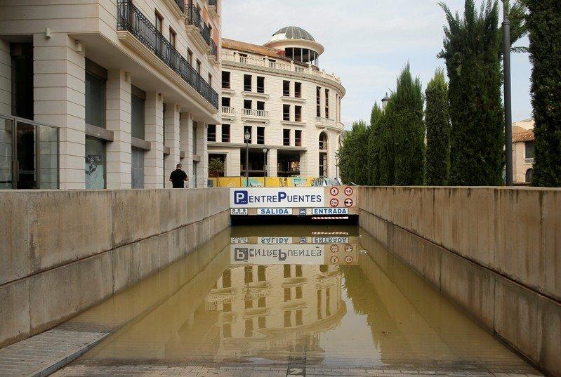Se suspenden las clases mañana jueves en Monóvar al declararse la alerta roja por fuertes lluvias