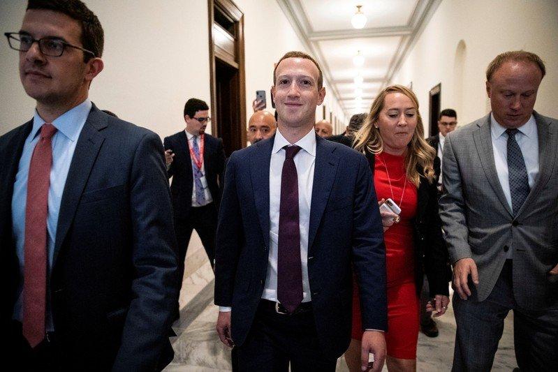 Trump se reunió con el fundador de Facebook en la Casa Blanca