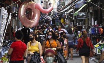 Brasil reporta 829 muertes por Covid-19 en un día y suma casi 135.000