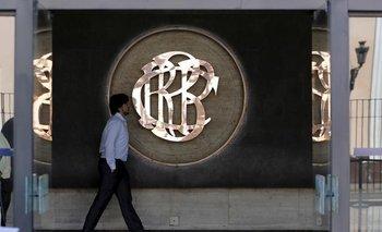 Banco central de Perú profundiza pronóstico de contracción económica para este año a 12,7%