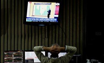 Acciones argentinas rebotan, bonos siguen en baja por desconfianza