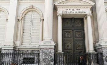 Fitch dice que recientes medidas de banco central argentino aumentan riesgo de financiamiento