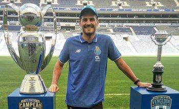 Iker Casillas comparte una foto de cuando jugó el Mundialito Tahuichi