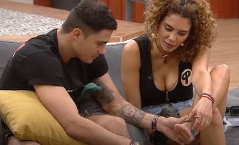 VIDEO: Andrés descubre un extraño tatuaje en el pie de Mare