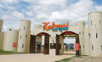 Grupo Sion presente en la Expocruz festejando sus 15 años y el éxito de su Parque Acuático Kalomai