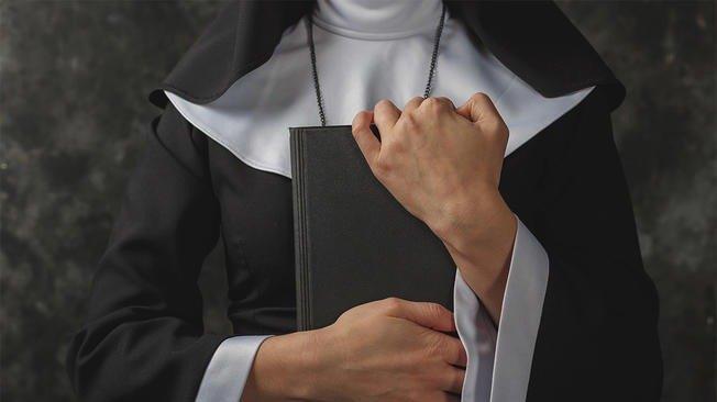 Dos monjas fueron de misión al África y regresaron embarazadas — Escándalo