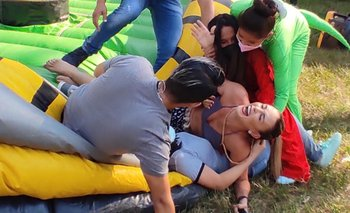 VIDEO: Ximena Zalzer se queda sin pantalones en pleno programa