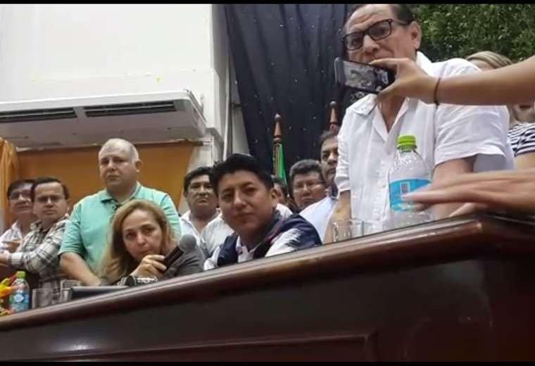 Camacho confirma que Pumari no será su acompañante de fórmula