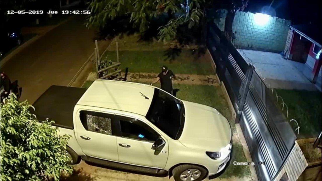 Momento en que ejecutan a exjuez paraguayo frente a su hogar