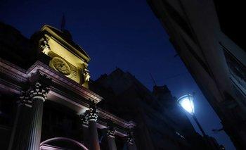 Argentina subasta letras y bonos del Tesoro por equivalente a unos 1.357 mln dlr: Ministerio de Economía